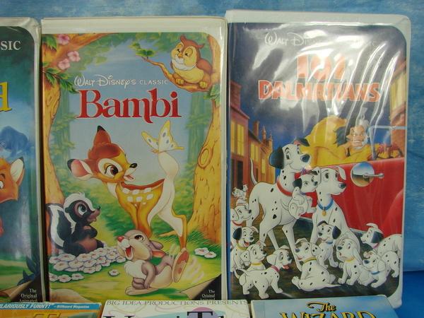 lot vhs tapes movies disney veggie tales jurassic park wizard of oz lion king