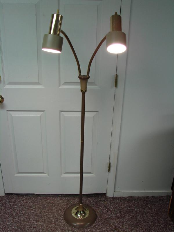 Dual gooseneck floor reading lamp gold tan adjustable two bulb 5 39 tall ebay - Gooseneck floor lamps for reading ...