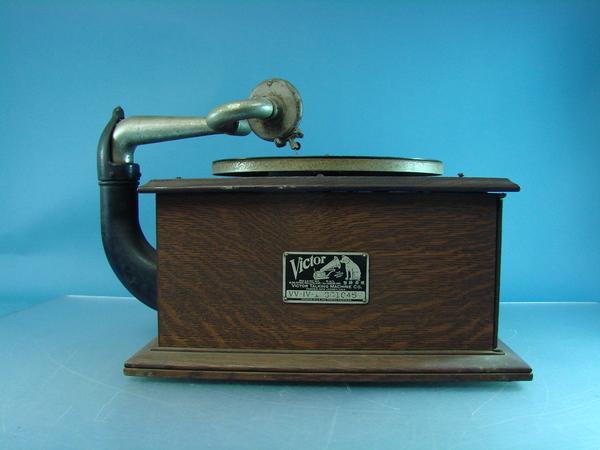 victor talking machine 1904