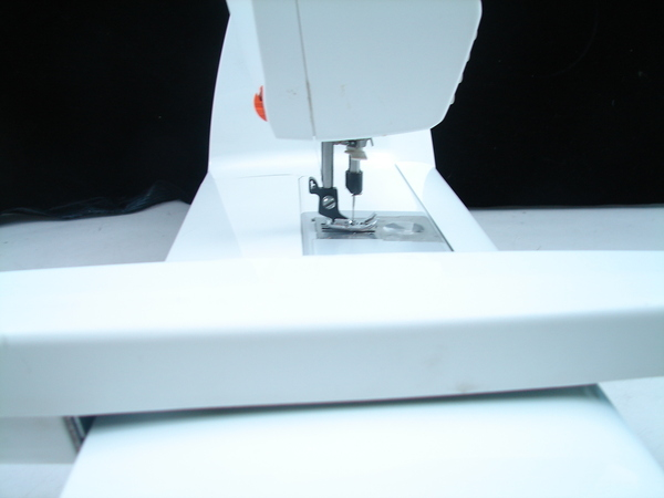 Husqvarna Viking Accessories : Husqvarna viking designer sewing machine with