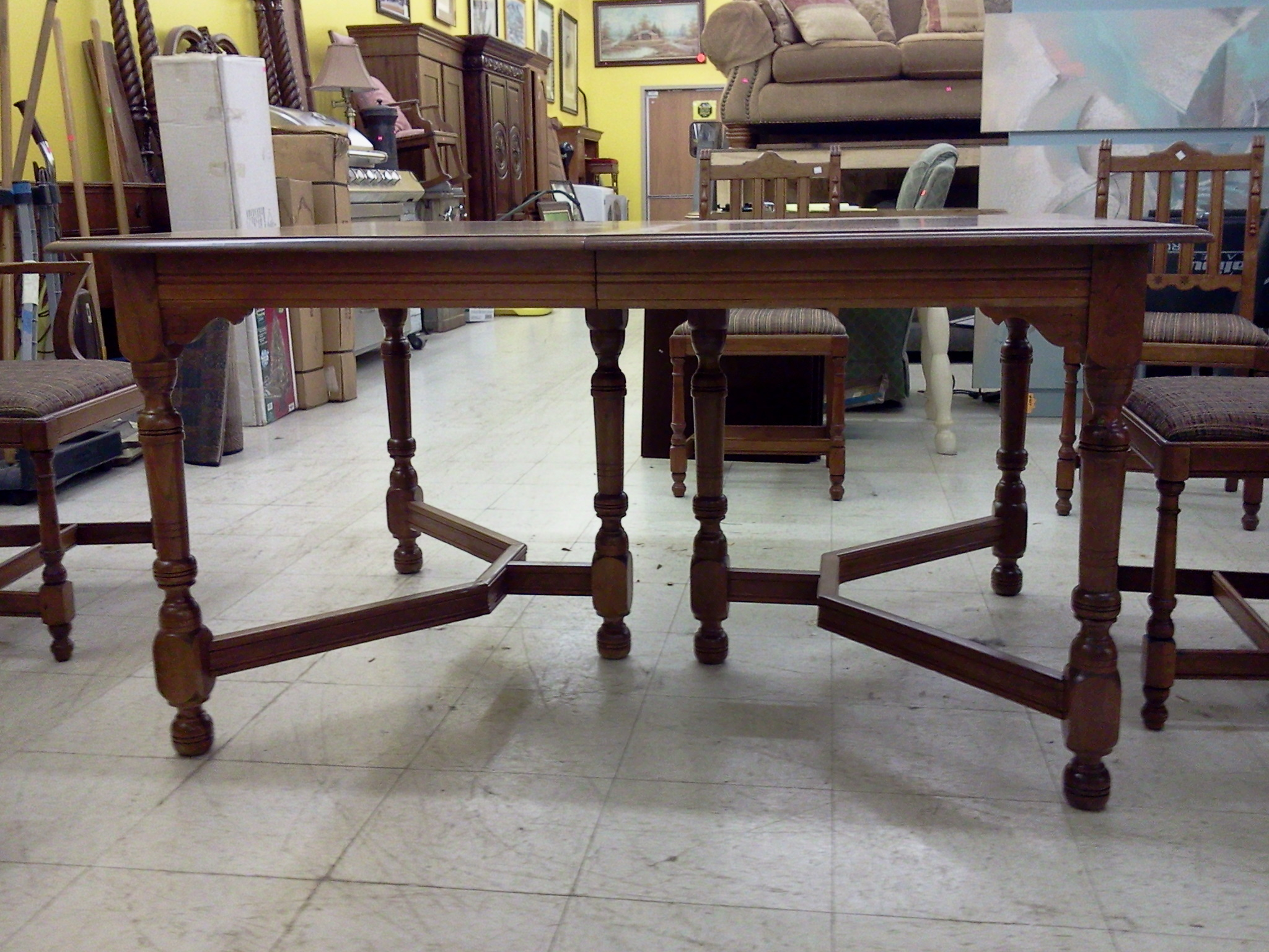 Wood Dining Table With Beautiful Decorative Accents, 6 Chairs And 4 Leaves