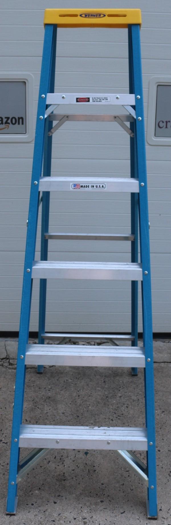 Heavy Duty Fiberglass : Werner ft ladder non conductive fiberglass heavy