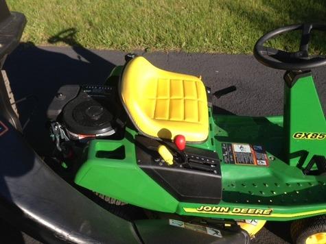 John Deere GX85 Riding Lawn Mower w/ OEM Double Bagging