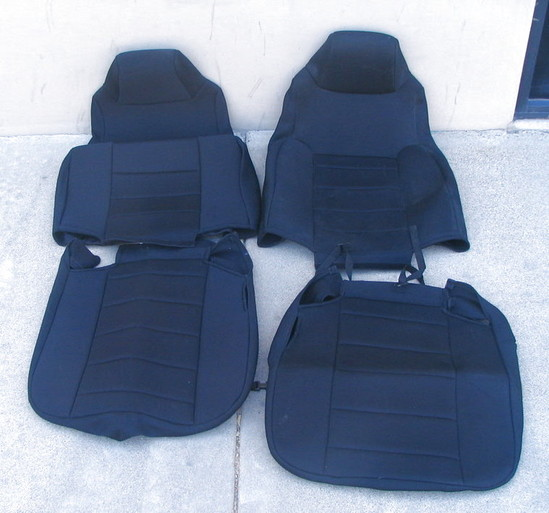 Rugged Ridge Black Neoprene Front Seat Covers 03 06 Jeep