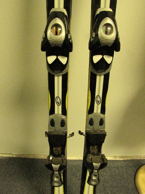 Used elan carve skis cm w salomon s bindings