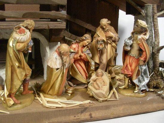 Vtg hand wood carved italian lepi creche nativity set