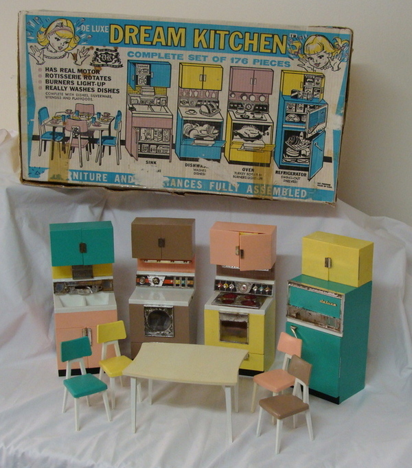 Vintage Deluxe Reading Dream Kitchen In Box Barbie Doll