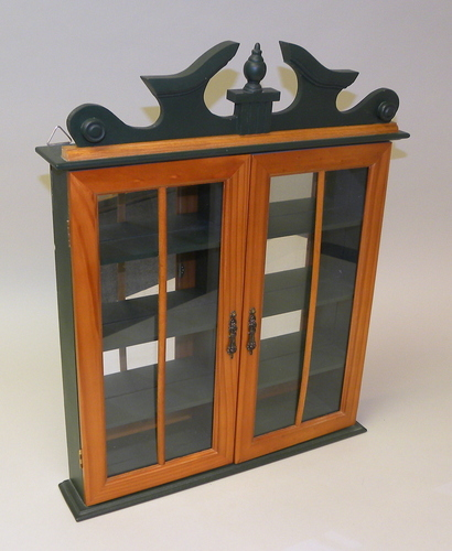 wood and glass hanging shadow box display case curio cabinet for collectibles ebay. Black Bedroom Furniture Sets. Home Design Ideas
