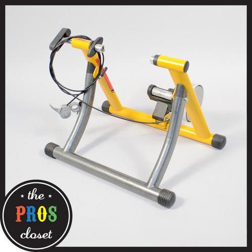 Travel Trac Century Trainer // Magnetic Indoor Bike Stand