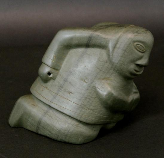 Inuit Eskimo Soapstone Carving Of Woman: Vintage Signed Eskimo Inuit Green Soapstone & Serpentine