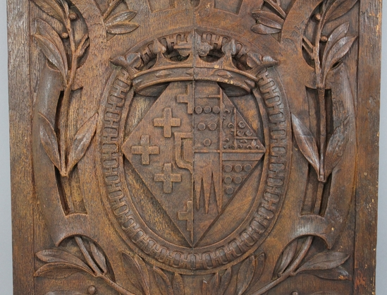 Antique royal crest hand carved mahogany architectural