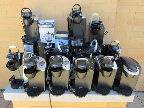 lot of 19 coffee makers brewers percolator keurig for parts or repair only. Black Bedroom Furniture Sets. Home Design Ideas