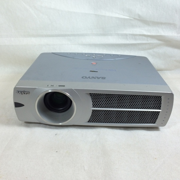 sanyo pro xtrax multiverse projector plc-xu45