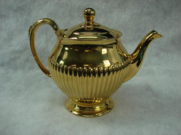 vintage royal winton gold lustre porcelain tea pot made in. Black Bedroom Furniture Sets. Home Design Ideas