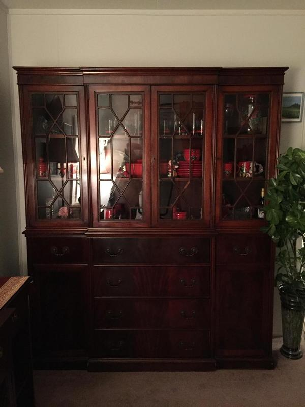 Antique Solid Mahogony Drop Leaf Dining Room Table Buffet China Cabinet Armoi