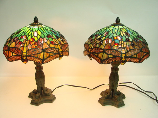 Set of 2 tiffany style dragonfly stained glass table lamps for Deco table multicolore
