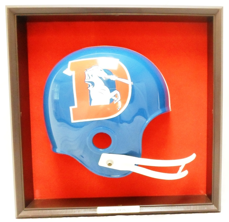 vintage 1970 39 s denver broncos placo nfl football helmet wall plaque ebay. Black Bedroom Furniture Sets. Home Design Ideas