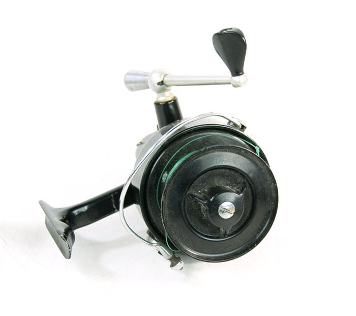 Lot of 4 garcia mitchell salt fresh water fishing reels for Mitchell 300 fishing reel