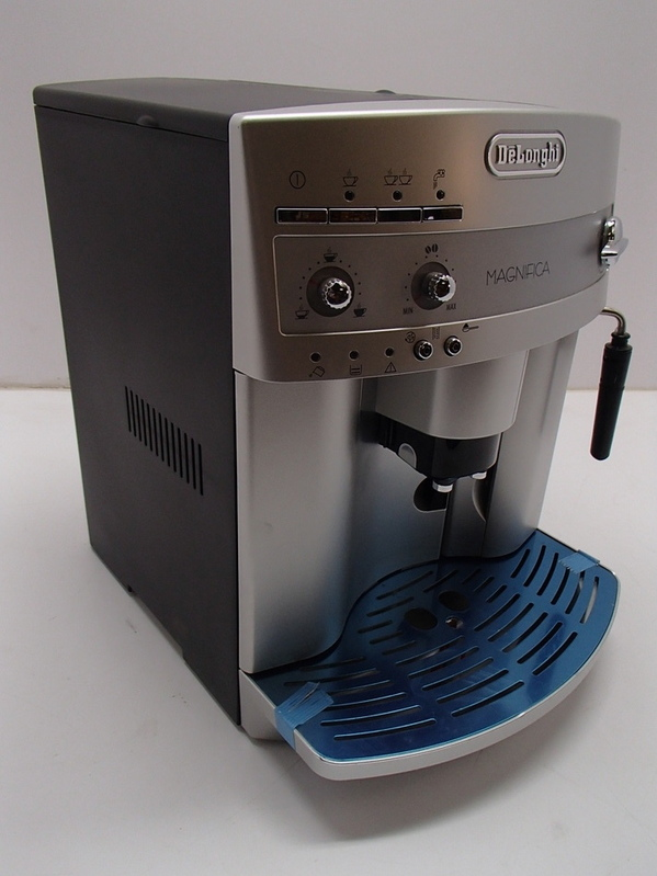 delonghi esam3300 magnifica super automatic espresso coffee machine ebay. Black Bedroom Furniture Sets. Home Design Ideas