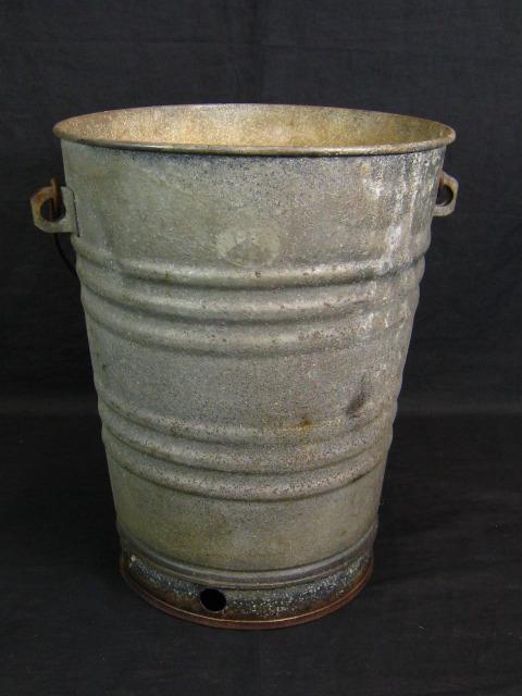 Vintage 15 metal feed seed bucket galvanized steel for Metal bucket planter