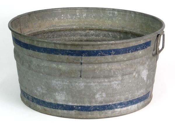 Vintage 22 large galvanized steel ice bucket wash tub for Large metal wash tub
