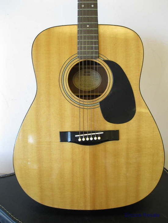 Yamaha fg 400a 6 string acoustic guitar w tuner case ebay for Yamaha acoustic guitar ebay