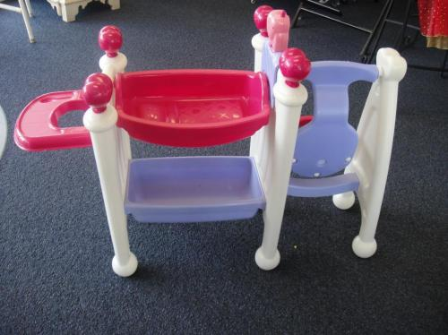Toy Baby Doll Center : Little tikes baby doll nursery center swing bath table ebay