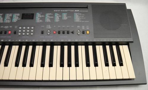 yamaha psr 200 portable electronic keyboard with stand 61 keys. Black Bedroom Furniture Sets. Home Design Ideas