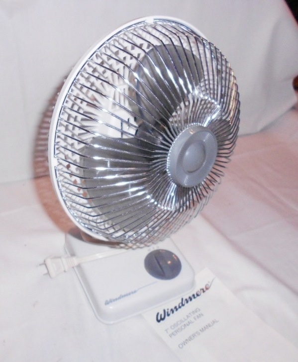 "Vintage Windmere Small 7"" Oscillating Desk FAN 2 Speed"