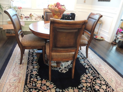 KITCHEN DINING TABLE & CHAIRS ASHLEY FURNITURE PEDESTAL