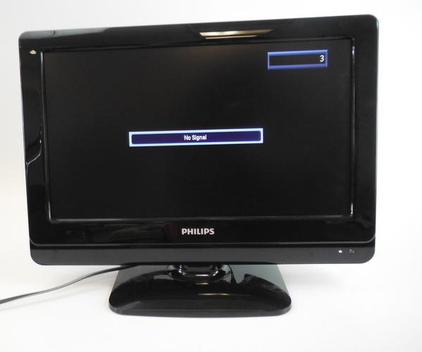 phillips 19 inch black flat screen tv television model no 19pfl3505d f7 ebay. Black Bedroom Furniture Sets. Home Design Ideas