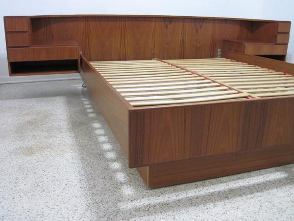 danish platform bed teak queen floating nightstands mid century modern komfort ebay. Black Bedroom Furniture Sets. Home Design Ideas