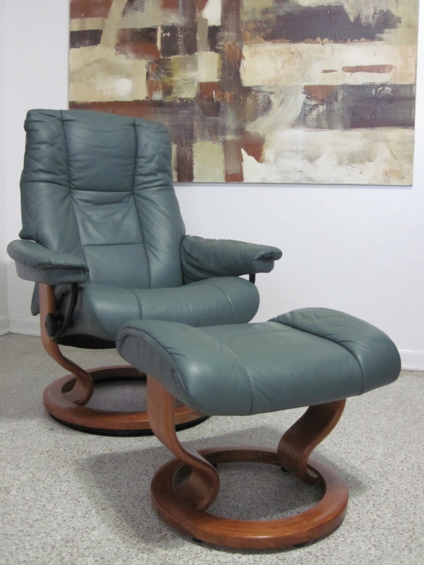ekornes stressless recliner chair leather modern small. Black Bedroom Furniture Sets. Home Design Ideas