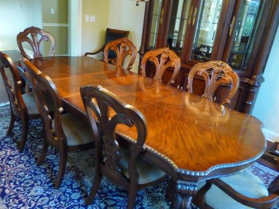 Bernhardt Grand Savannah Dining Room Table Chairs China Cabinet Bowed Front