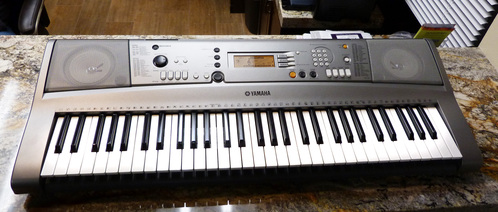 Yamaha portatone electronic keyboard ypt 310 with skb case for Yamaha portatone keyboard