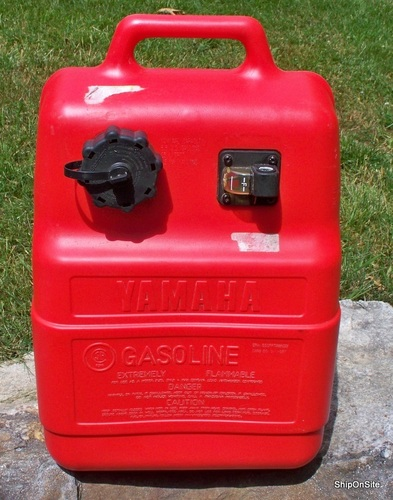 Oem yamaha hdpe plastic portable fuel gas tank 6 6 gallon for Gas tanks for outboard motors