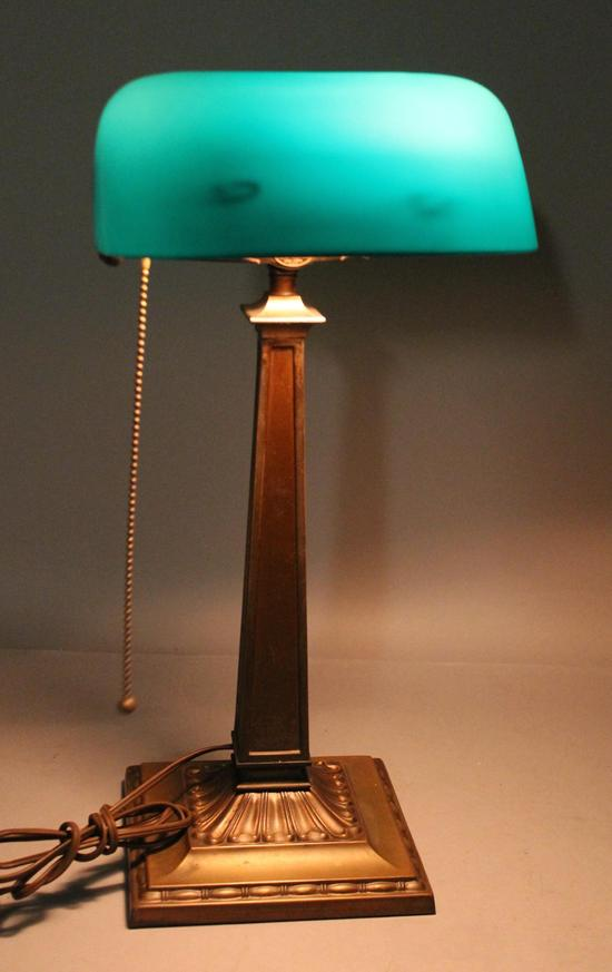 emeralite table desk lamp cased green glass shade brass base ebay. Black Bedroom Furniture Sets. Home Design Ideas