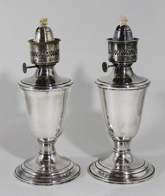 pair small vintage gorham silverplate kerosene oil lamps. Black Bedroom Furniture Sets. Home Design Ideas