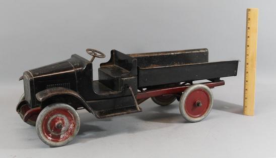 rare antique 1920s buddy l 201 a hydraulic dump truck. Black Bedroom Furniture Sets. Home Design Ideas