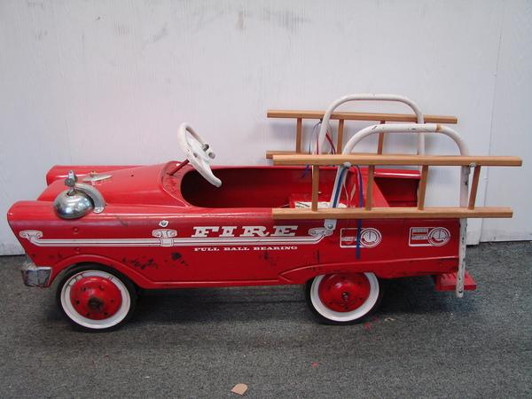 Fire Truck Pedal Car: MURRAY FULL SIZE FLAT FACE ORIGINAL PEDAL CAR FIRE TRUCK
