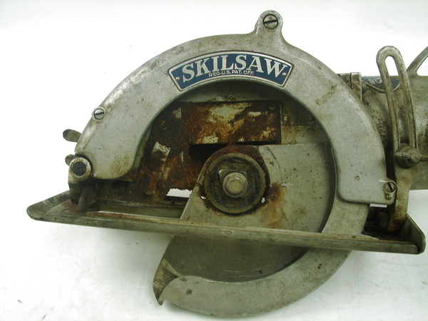 Vintage Skilsaw Skil Electric Saw Model 825 Worm Drive 14