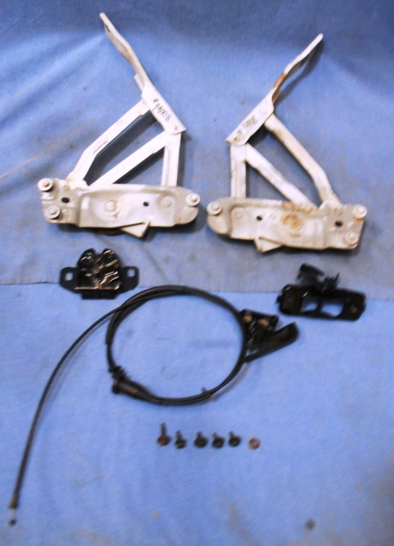 97 04 Dodge Dakota Drivers And Passengers Hood Hinges W Release Cable And Latch Ebay