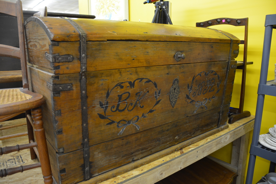 Immigrants trunk- wood