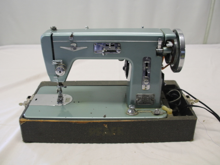 Vintage Dressmaker Deluxe Zig Zag Automatic Precision Sewing Machine Unique Dressmaker Special Sewing Machine