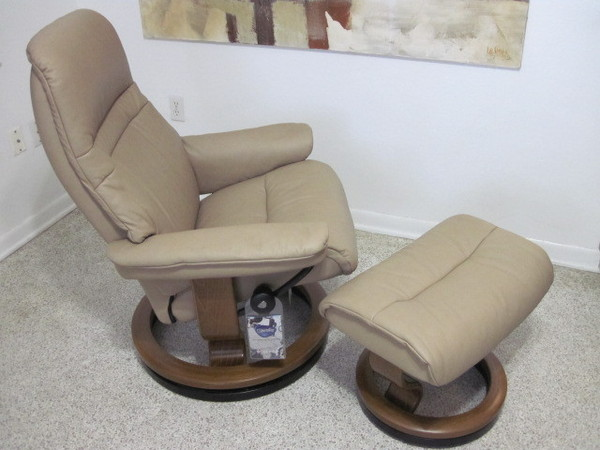 Ekornes Stressless Recliner Chair Leather Modern Medium