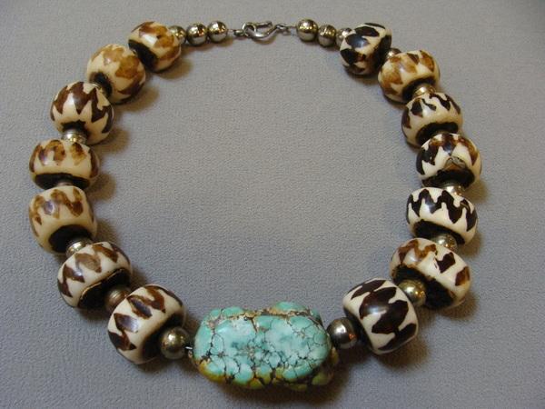 Vintage Tibetan Chinese DZI Bead Large Turquoise Necklace