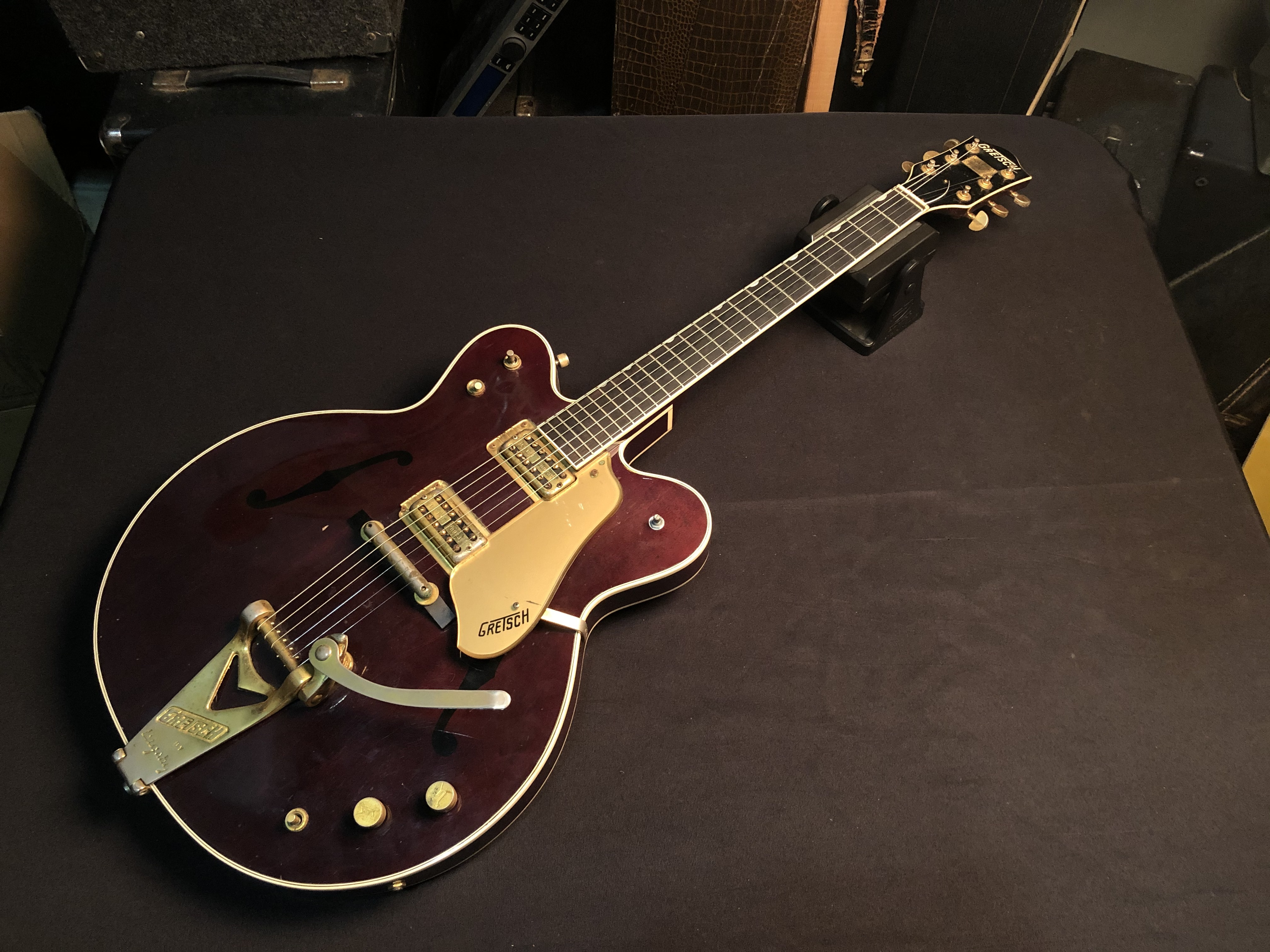 GRETSCH -1962 COUNTRY CLASSIC REISSUE - HEAVILY WORN ELECTRIC GUITAR