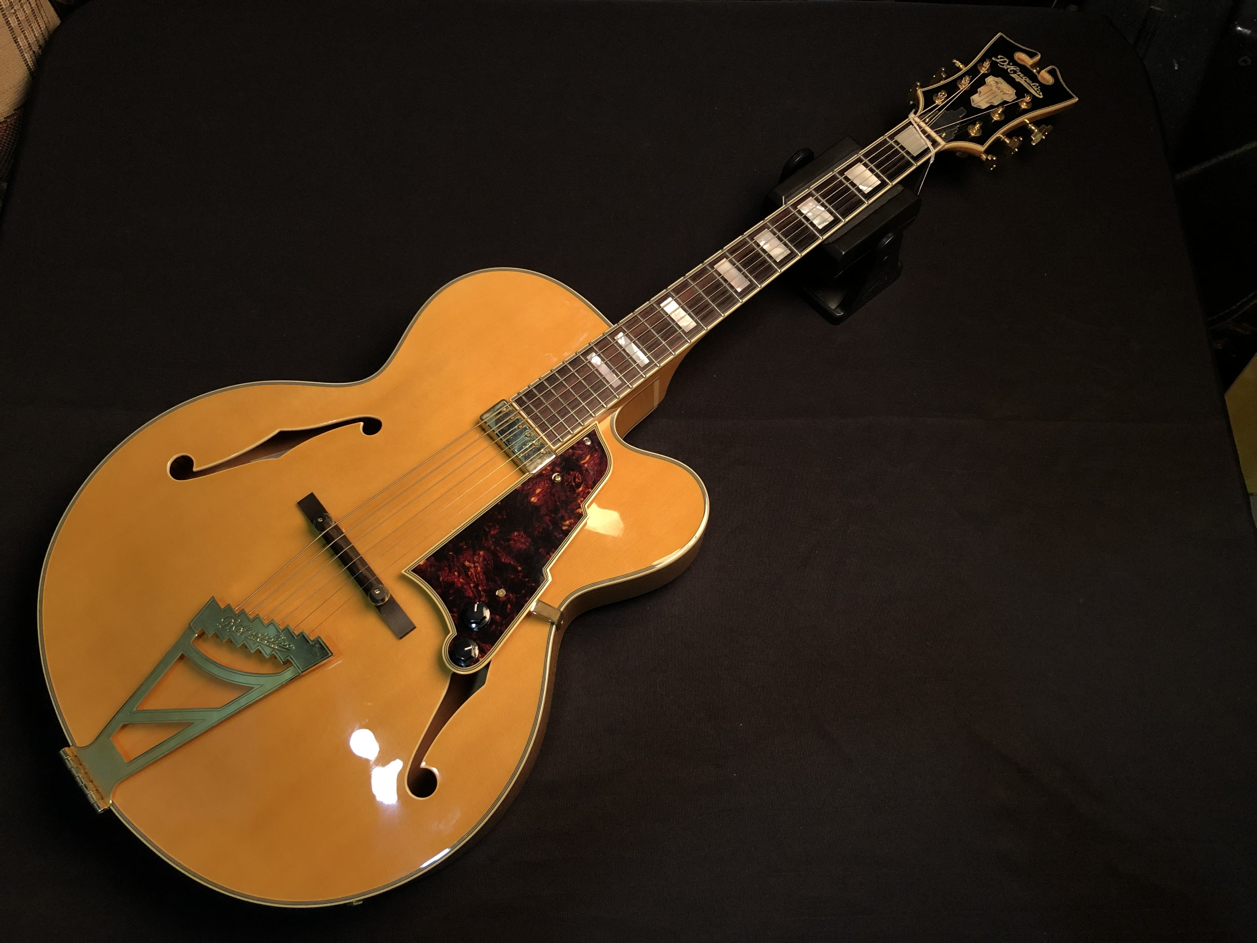 D'ANGELICO - ELX-1 - ARCHTOP ELECTRIC GUITAR