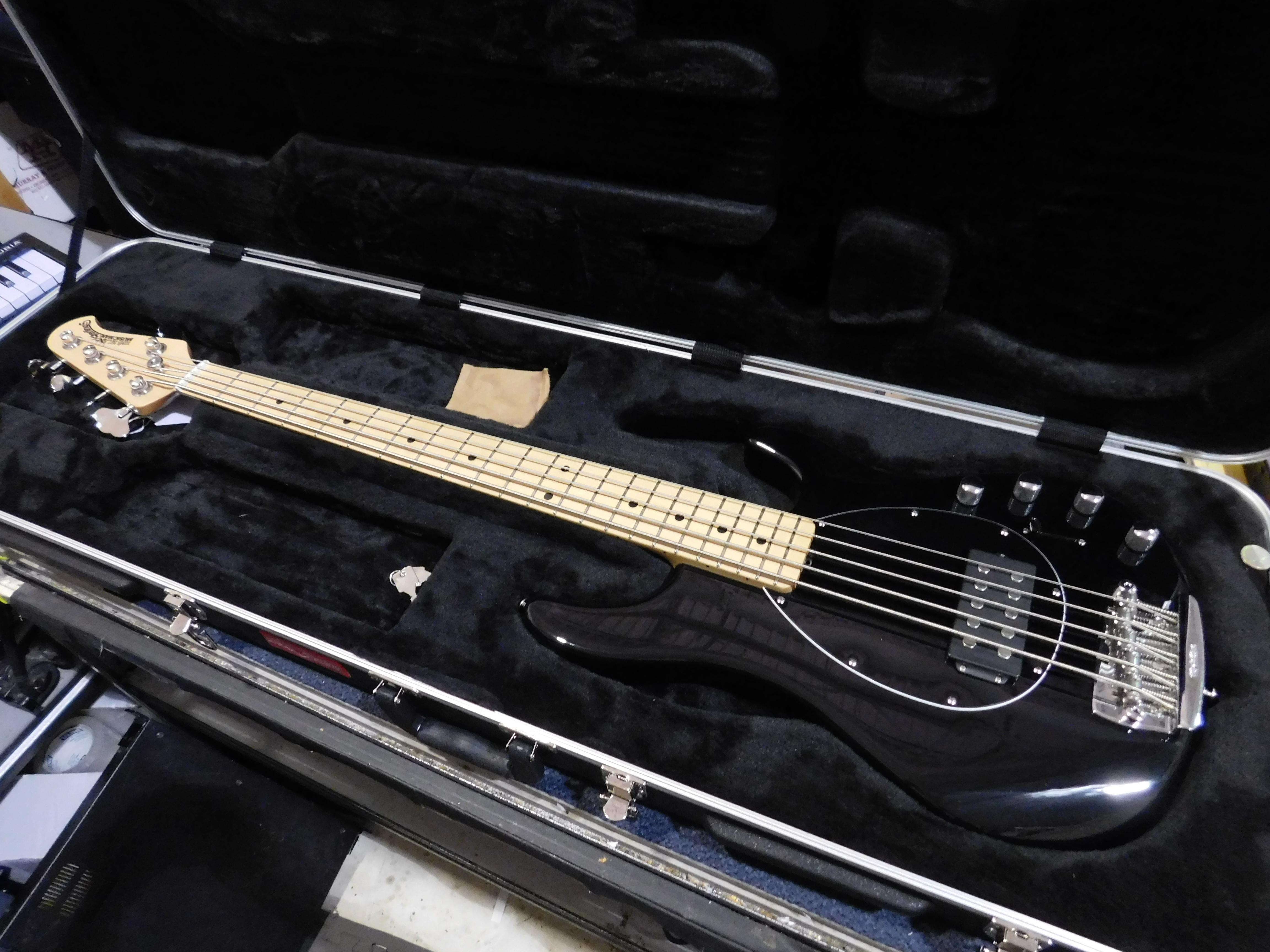 2017 ERNIE BALL MUSIC MAN STERLING 5 H 5-String Electric Bass HSC Black