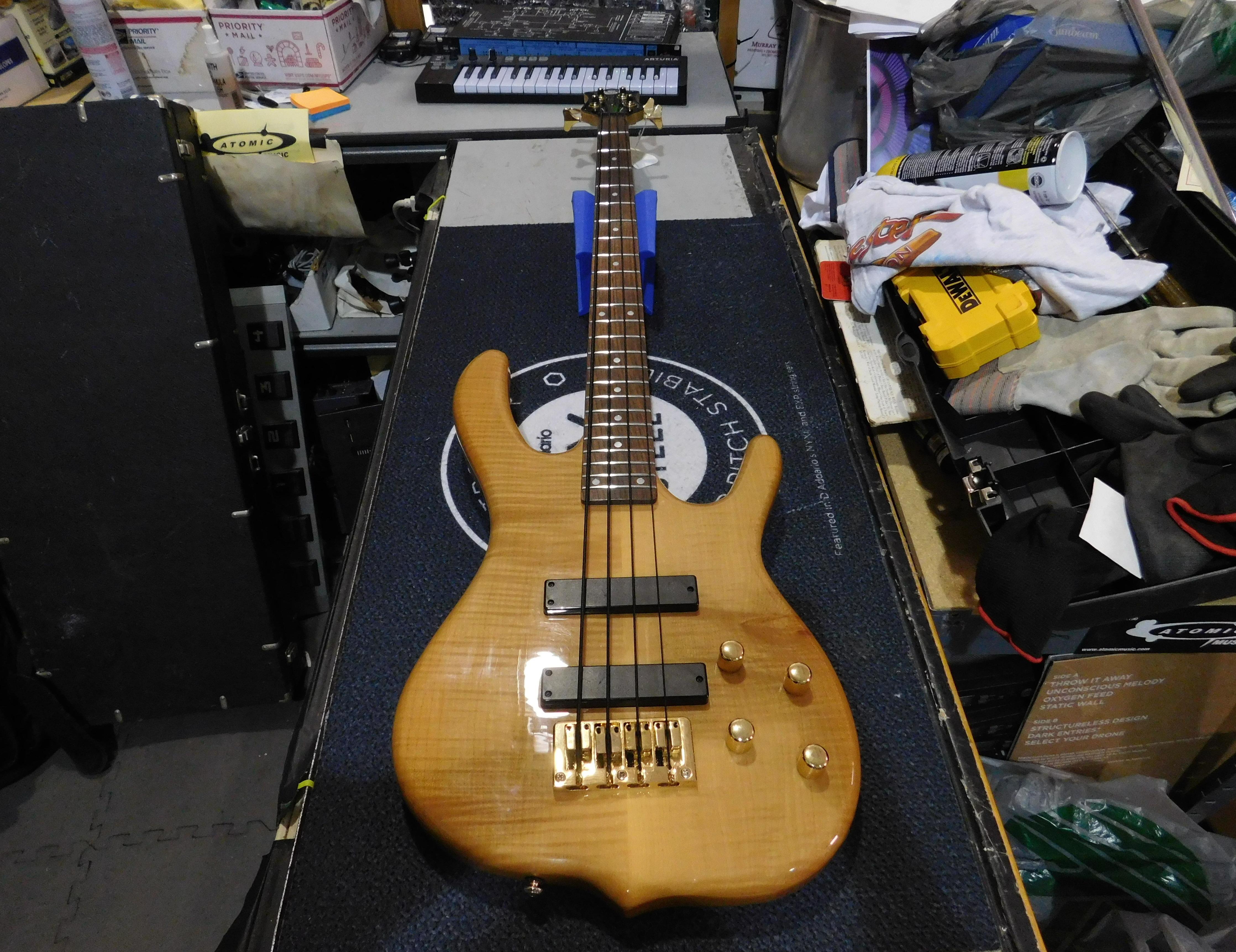 KEN SMITH DESIGN KSD Burner Deluxe 5 5-String Electric Bass w/ Gig-bag